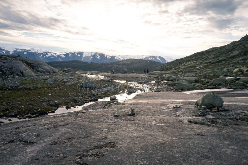 Trolltunga в Норвегии стоковое фото