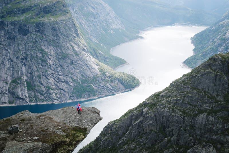 Trolltunga vandring, Norge arkivfoton