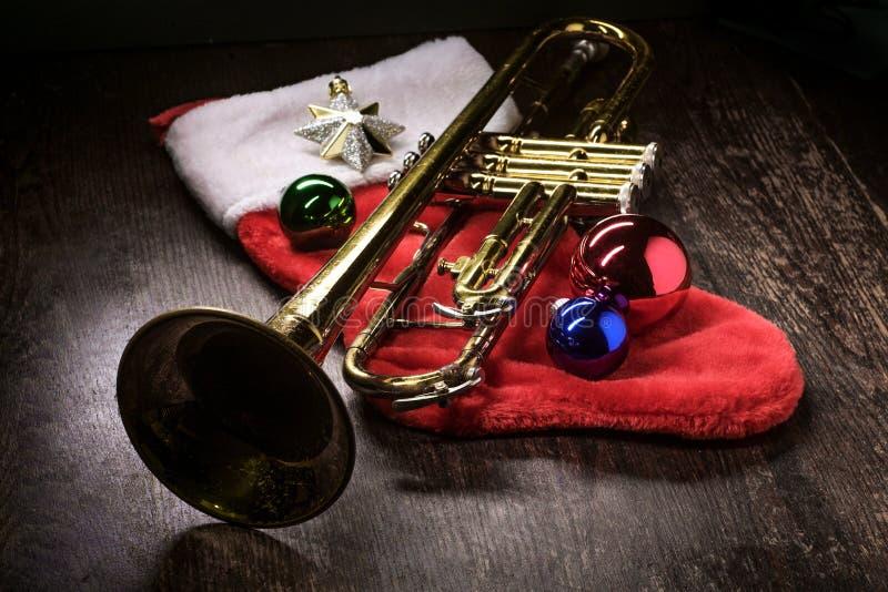 Trombeta da música do Natal foto de stock royalty free