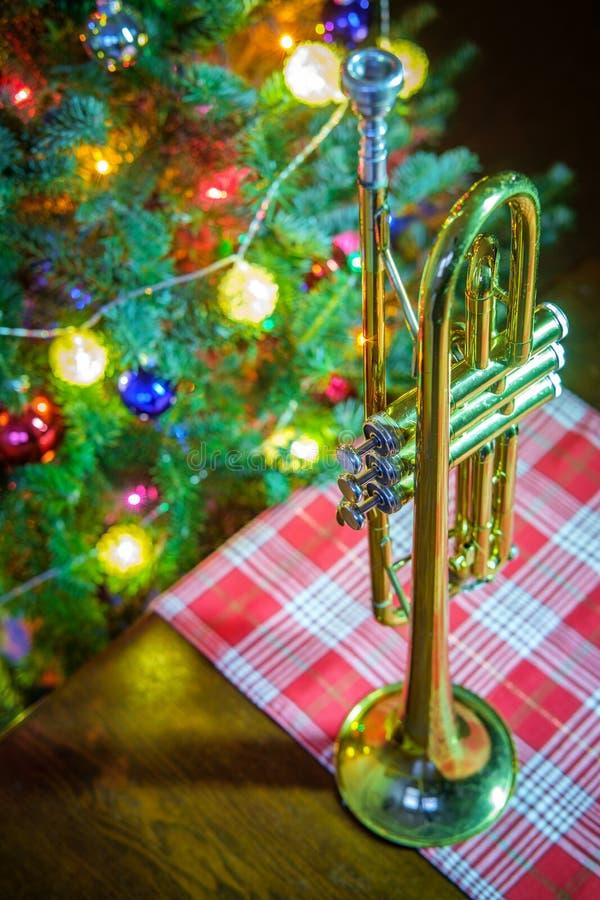 Trombeta da m?sica do Natal imagens de stock