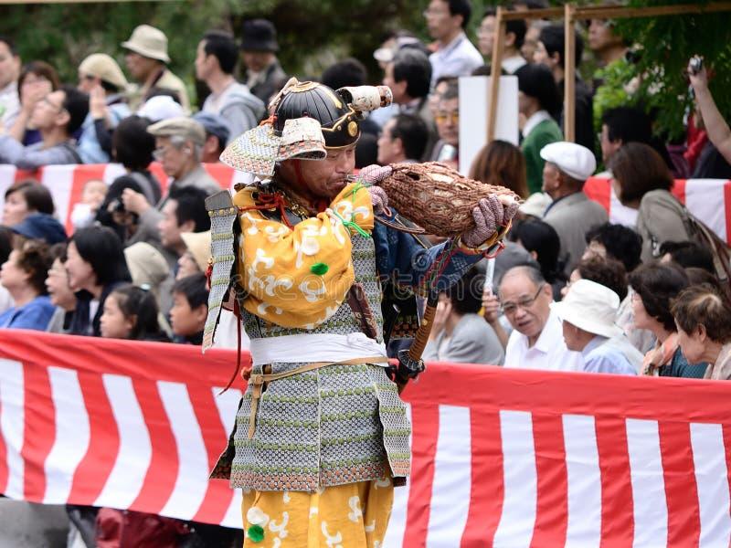 Trombettista alla parata di Jidai Matsuri, Giappone del samurai immagini stock libere da diritti