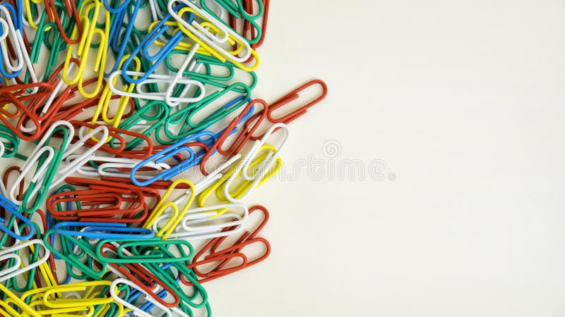 Trombones colorés photos libres de droits