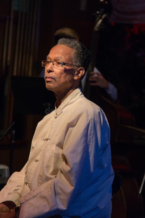 Trombonist och jazzspelare Clifford Adams royaltyfria foton