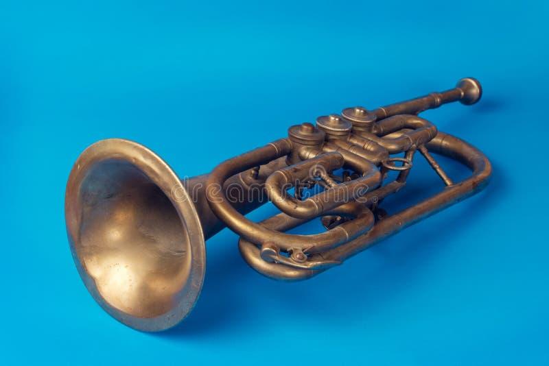 Trompeta de oro vieja fotos de archivo libres de regalías