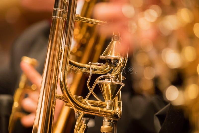 Trompetsectie tijdens een klassieke overlegmuziek royalty-vrije stock foto's