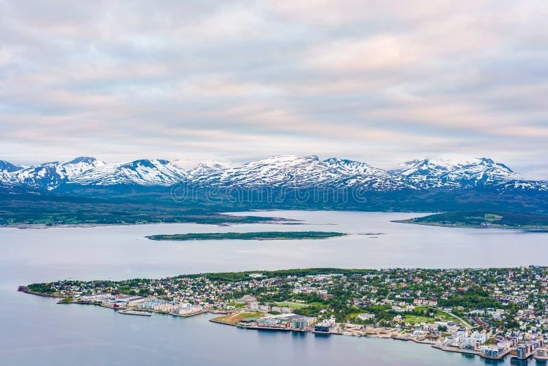 Download Tromso Come Visto Dal Supporto Storsteinen, Norvegia Fotografia Stock - Immagine di naughty, attrazione: 55362134