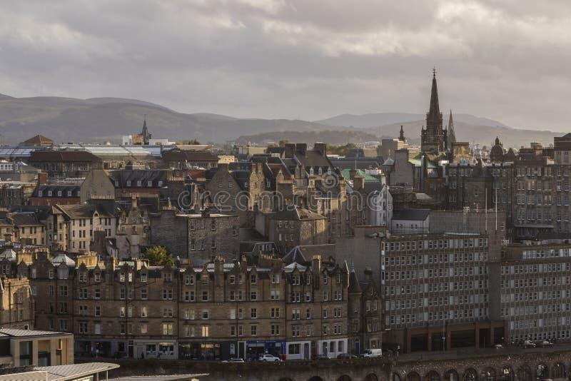 Tron Kirk y horizonte de Edimburgo de las colinas de Pentland, Escocia foto de archivo