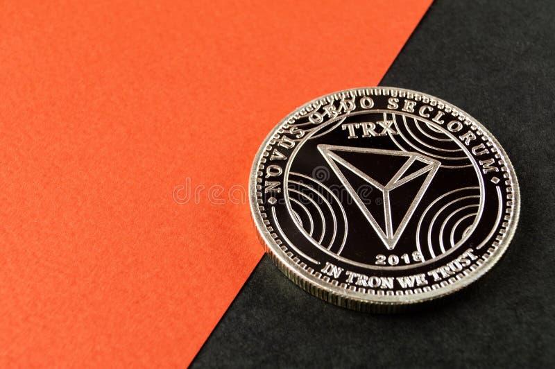 Tron TRX es una manera moderna de intercambio y esta moneda crypto es los medios del pago convenientes en el mercado financiero y foto de archivo