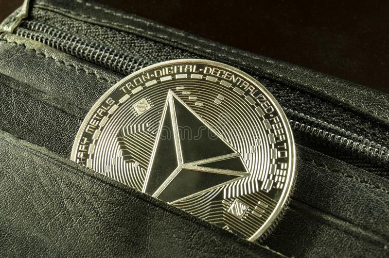 Tron ? uma maneira moderna de troca e esta moeda cripto ? meios de pagamento convenientes no mercado financeiro e da Web fotografia de stock