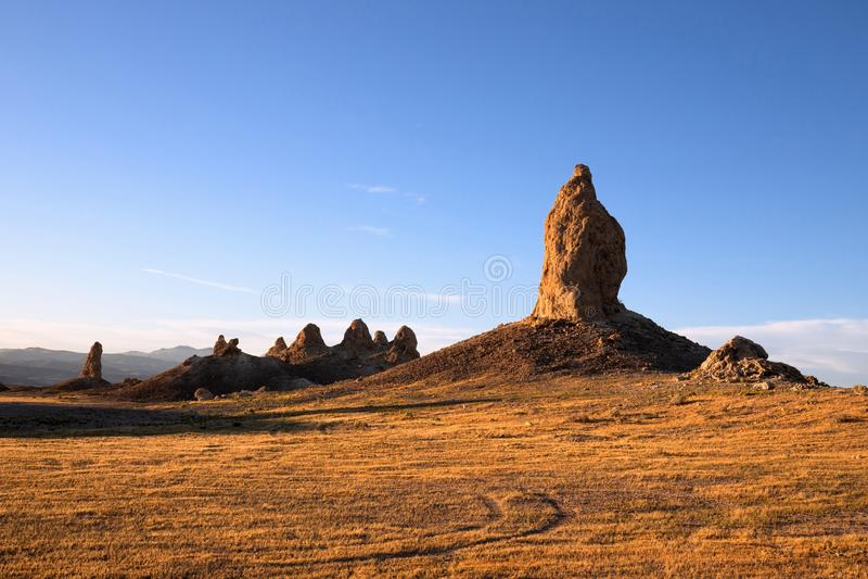 Trona-Berggipfel bei Sonnenuntergang lizenzfreies stockbild