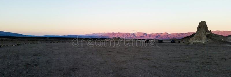Trona-Berggipfelsonnenuntergang stockbilder