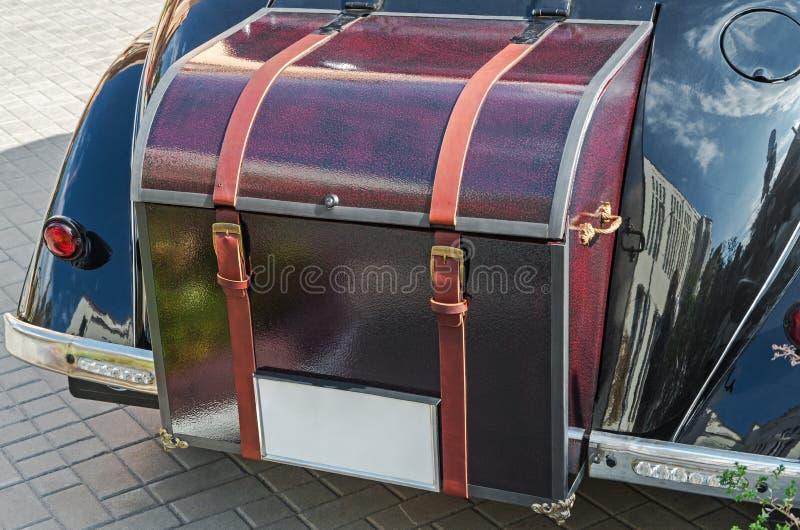Tronco de un coche del vintage fotografía de archivo