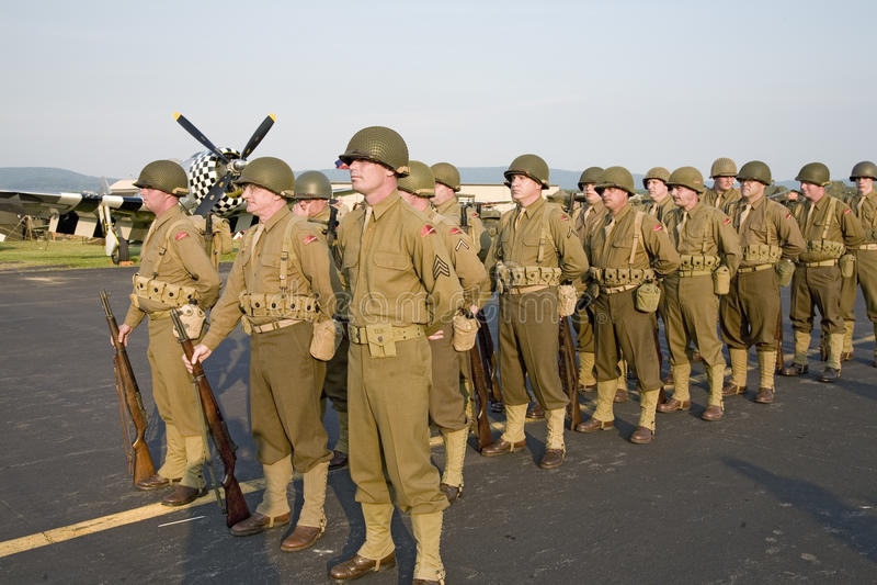Tropas da infantaria da segunda guerra mundial foto de stock