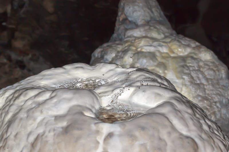 Tropfen der Höhle lizenzfreies stockfoto