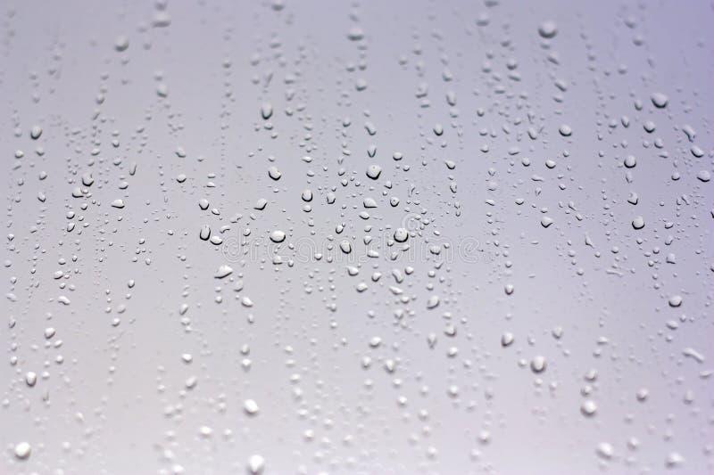 Tropfen des Regens auf dem Fenster lizenzfreie stockfotografie