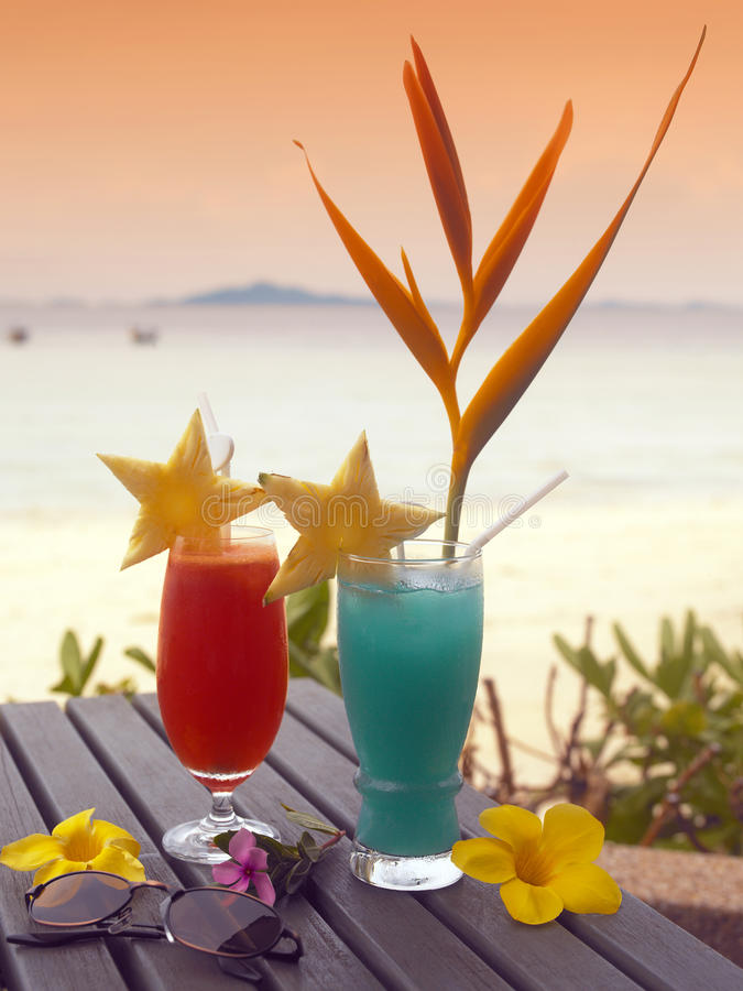 Free Tropical Cocktails Stock Photo - 16267650