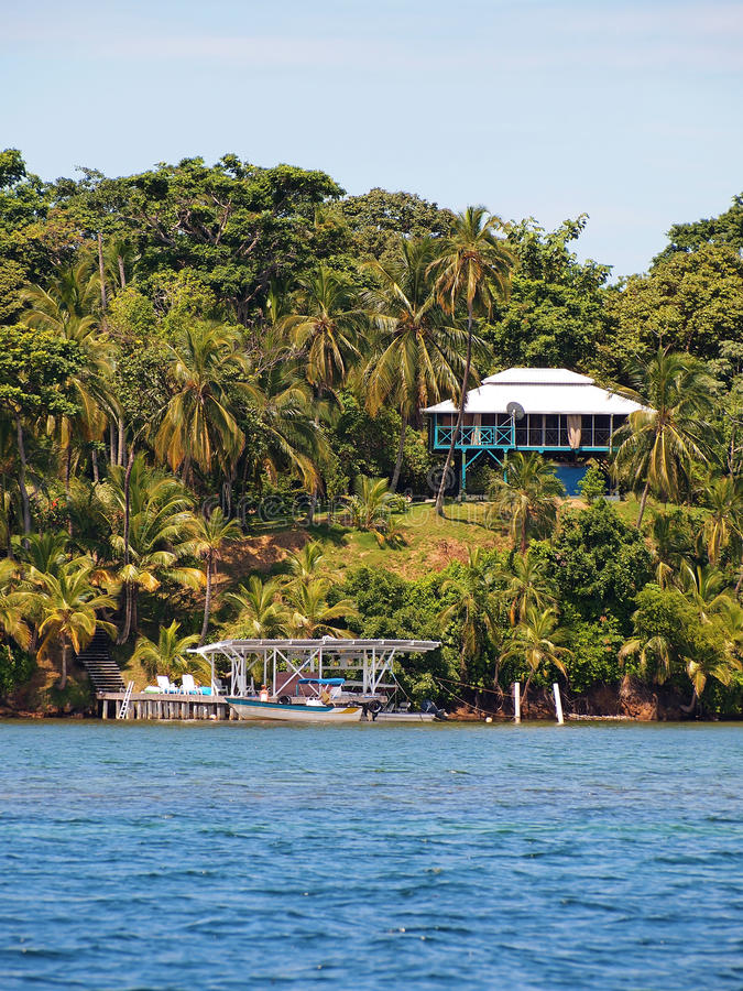 Download Tropical House In Bocas Del Toro Stock Photo - Image: 20674068