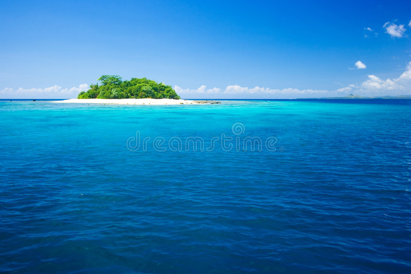 Download Tropical Island Vacation Paradise Stock Image - Image of coast, green: 3639767