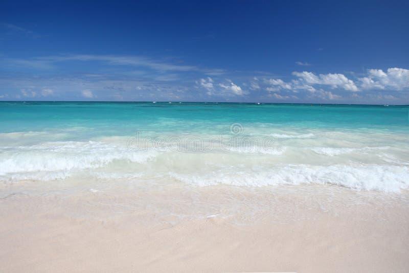 Tropical Waves On White Sand Beach, Ocean Stock Photo ...