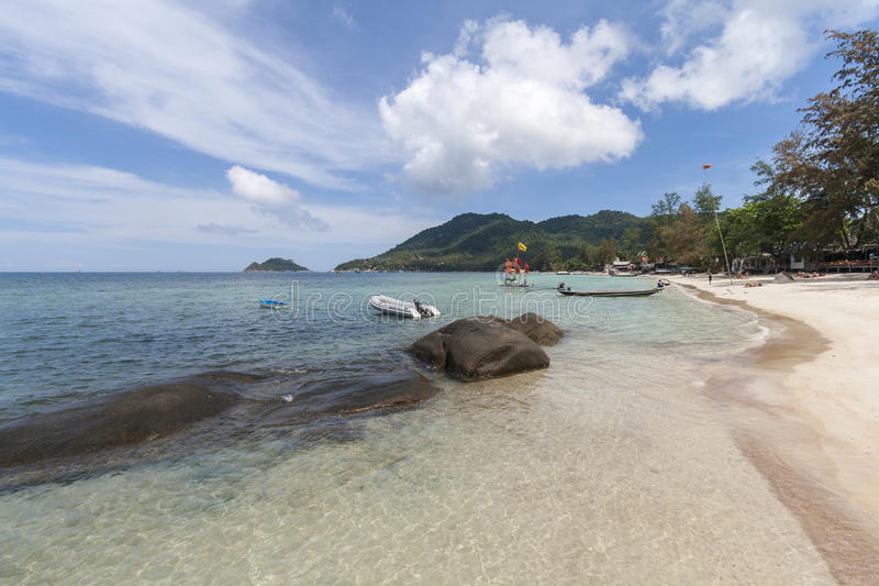 Tropikalna Biała piasek plaży Koh Tao wyspa, Chumphon prowincja, Tajlandia zdjęcie stock