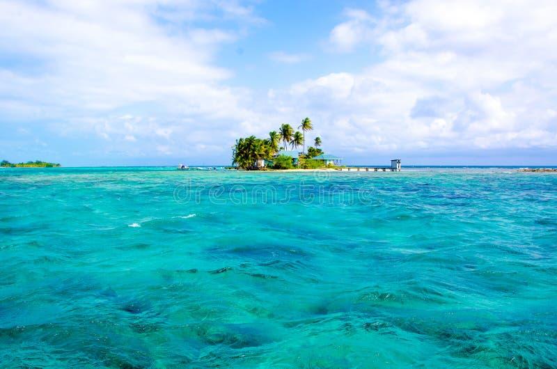 Tropikalna i raj ma?a wyspa w morzu karaibskim Belize Ameryka ?rodkowa obrazy royalty free