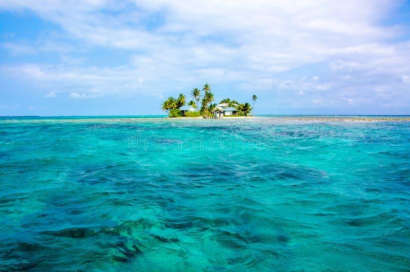 Tropikalna i raj ma?a wyspa w morzu karaibskim Belize Ameryka ?rodkowa zdjęcie royalty free