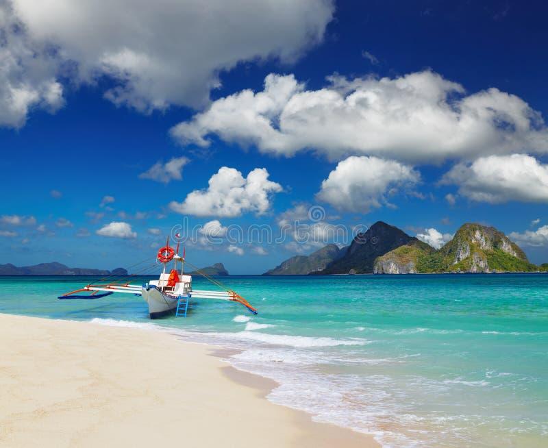 Tropikalna plaża, Filipiny obrazy royalty free