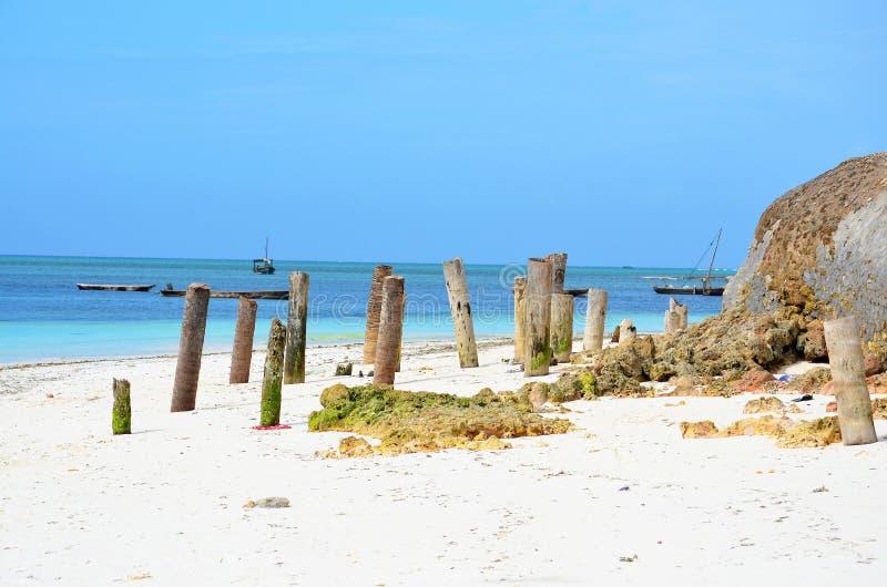 Tropikalna plaża przy Nungwi wioską, Zanzibar zdjęcie royalty free