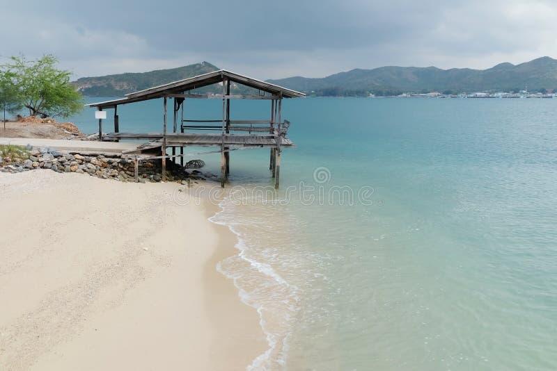 Tropikalna plaża w Samae San wyspie, Sattahip, Chonburi, Tajlandia zdjęcia royalty free