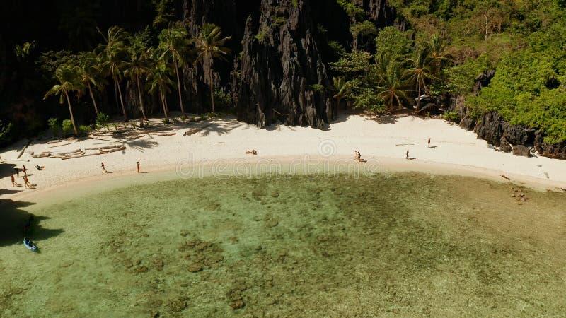 Tropikalna seawater laguna i pla?a, Filipiny, El Nido zdjęcie royalty free