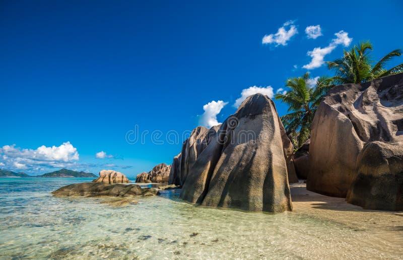 Tropikalna wyspy plaża, źródło d ` Argent, los angeles Digue, Seychelles obraz royalty free