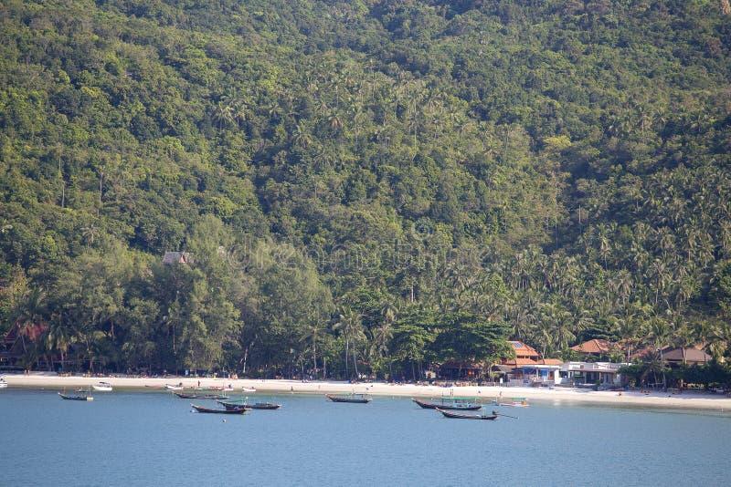 Tropikalne plaży i wody morskiej fala na wyspy Koh Phangan, Tajlandia obraz stock