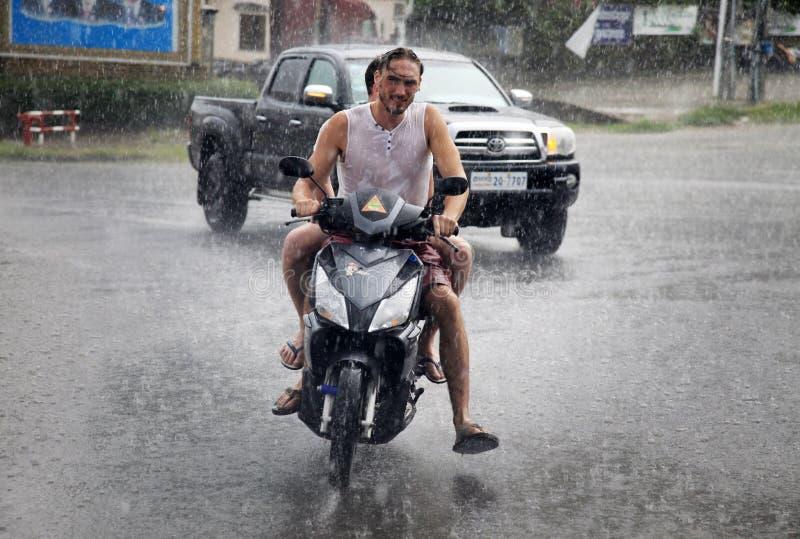 Tropikalny deszcz w Kambodża obrazy stock