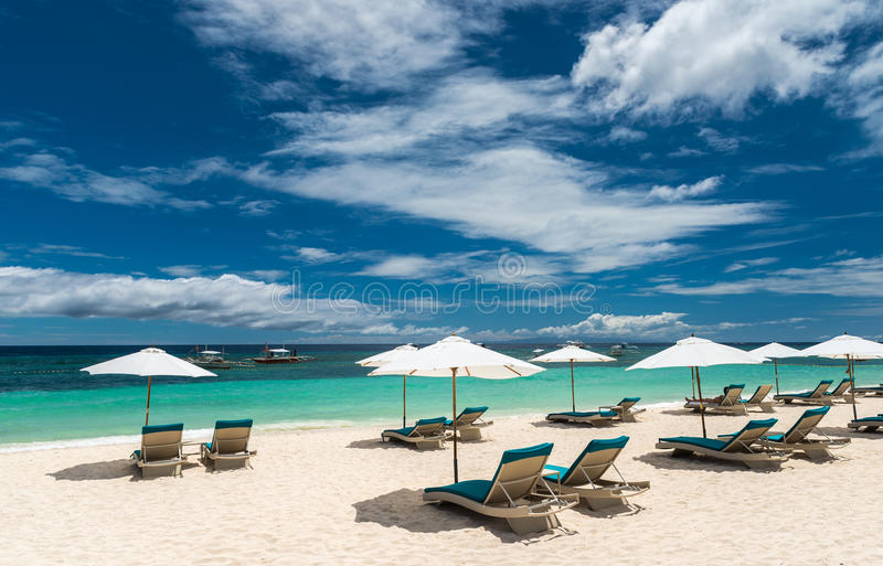 Tropikalny plażowy tło od Alona plaży przy Panglao Bohol zdjęcia royalty free