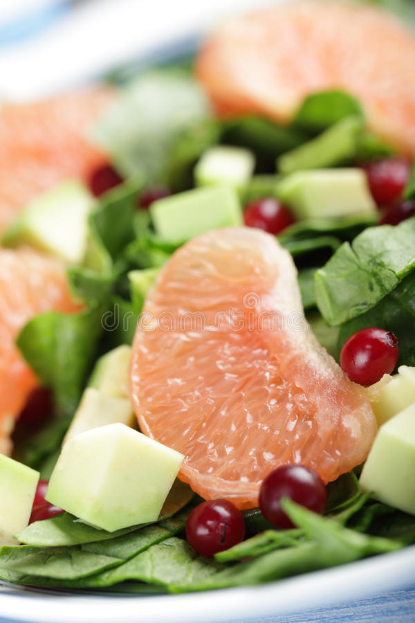 tropikalny sałatkowy fruts szpinak zdjęcie stock