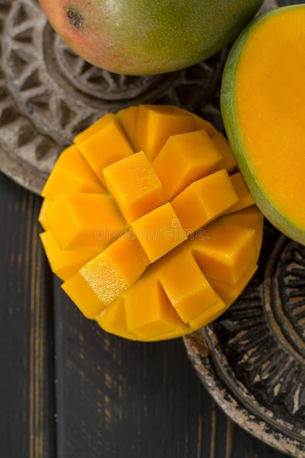 Tropikalny zdrowy owocowy dojrzały organicznie mango zdjęcia royalty free