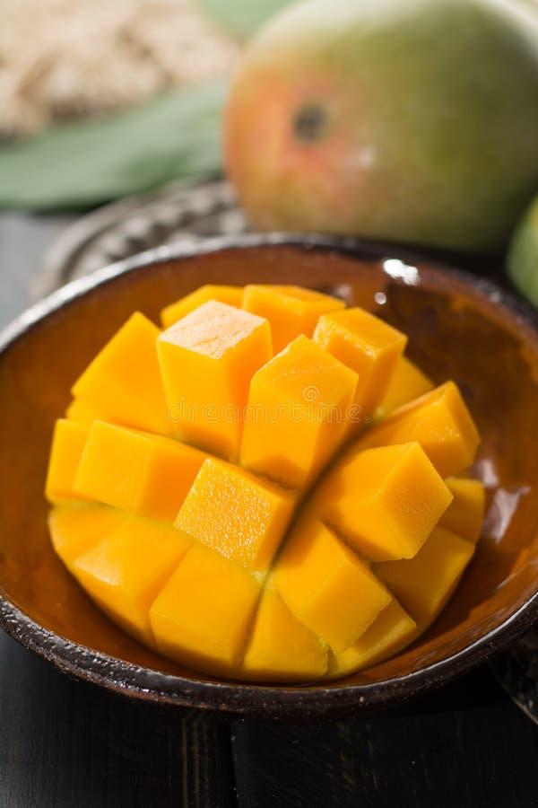 Tropikalny zdrowy owocowy dojrzały organicznie mango fotografia royalty free