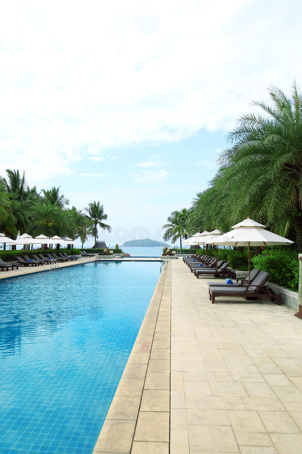 Tropisch het hotel zwembad van de strandtoevlucht royalty-vrije stock foto's