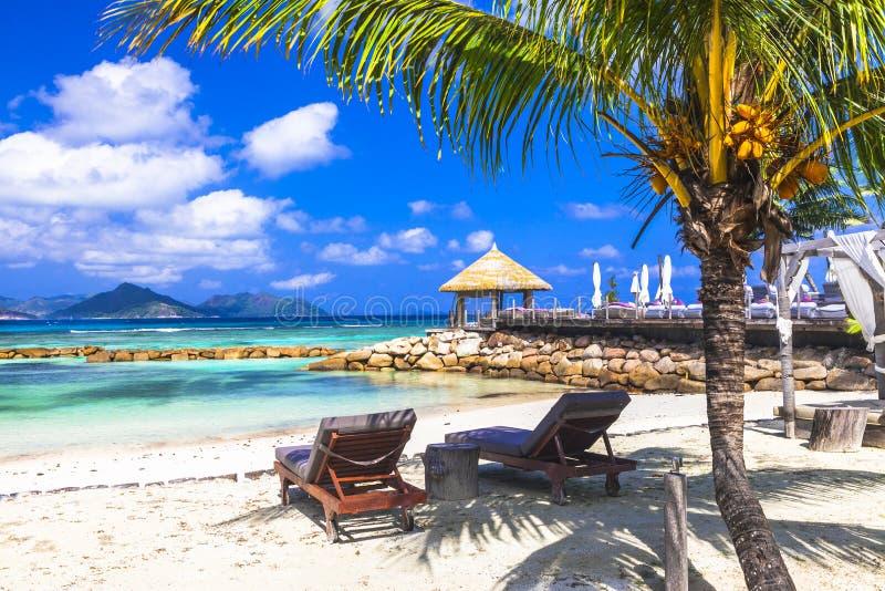 Tropisch ontspan - de eilanden van Seychellen Mahe stock foto's