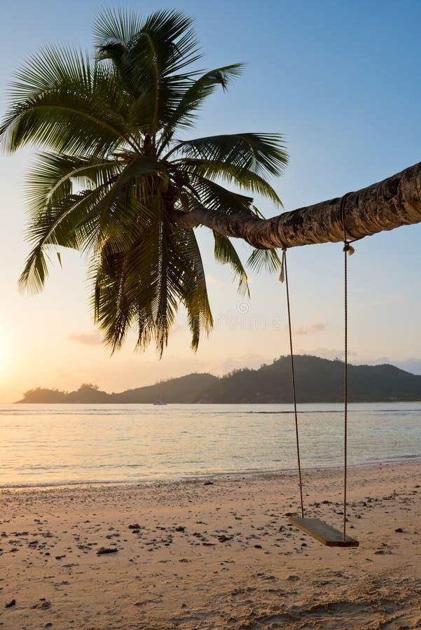 Tropisch strand bij Mahe-eiland Seychellen stock fotografie