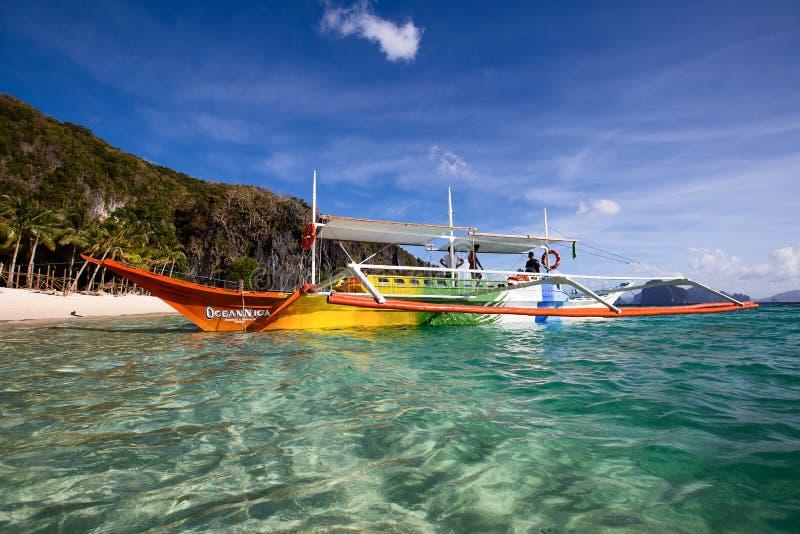 Tropisch strand in Gr Nido, Filippijnen stock afbeeldingen
