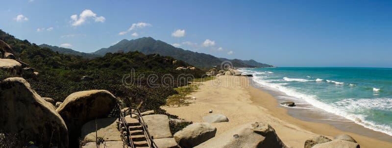 Tropisch Strand in het Nationale Park van Tayrona, Colombia royalty-vrije stock fotografie