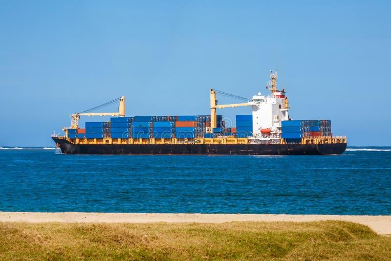 Tropisch vrachtschip stock fotografie