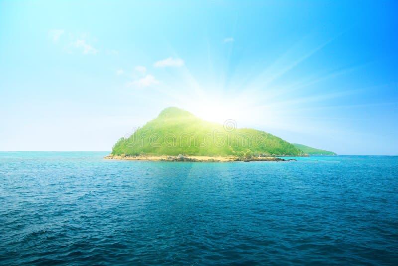 Tropische eiland en oceaan stock foto