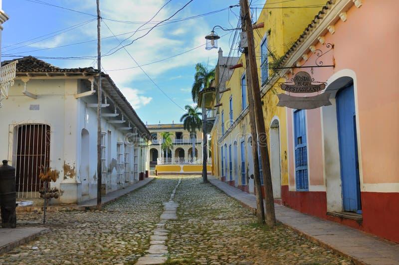 Tropische Gebäude in Trinidad, Kuba stockfotos