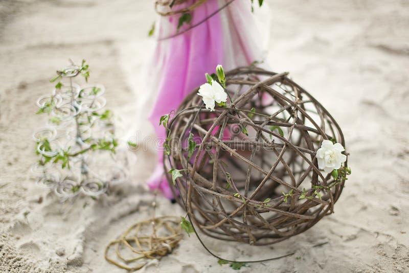 Tropische Hochzeit Sand-Zeremonie Hochzeit in einer Seeart stockbild