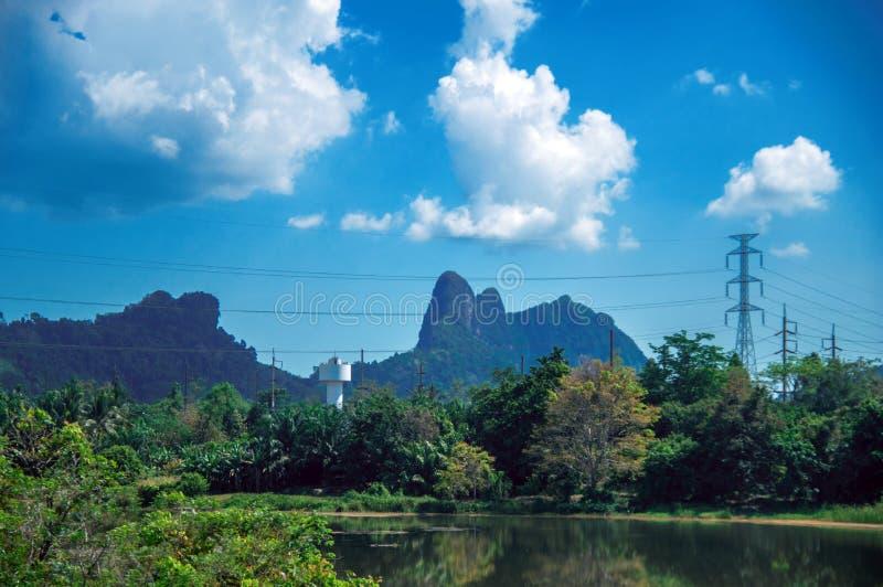 Tropische Landschaft, Gebirgstal Reisen Sie in Thailand, schöner Bestimmungsortplatz Asien, Urlaubsreise der Sommerferien im Frei stockfotos