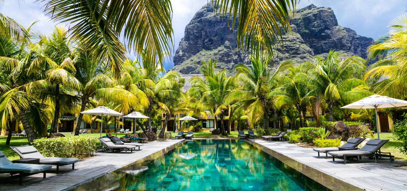 Tropische Luxusferien BadekurortSwimmingpool, Mauritius-Insel stockfotos