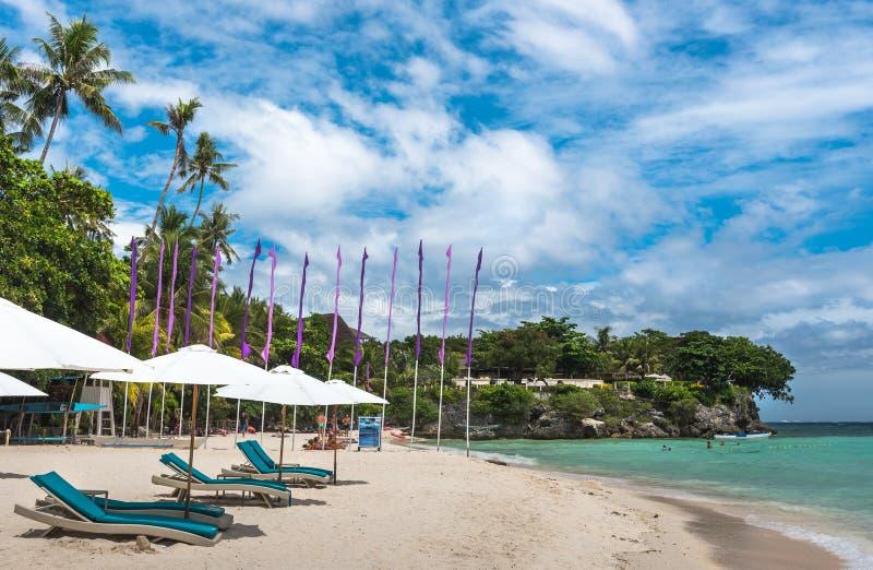 Tropische mening als achtergrond van Paglao-eiland bij Alona-strand royalty-vrije stock afbeeldingen
