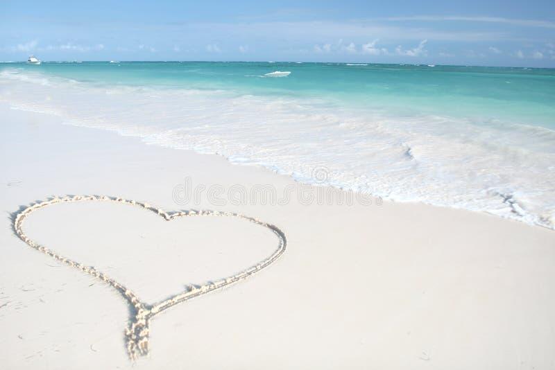 Tropische Oceaan, Hart op Strand stock afbeeldingen